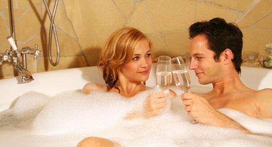 женщины и мужчины вместе моются фото