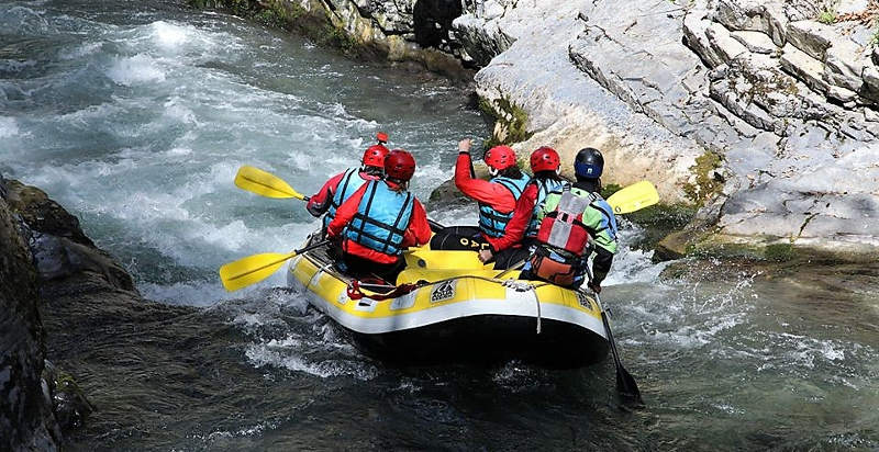 canyon rafting lao
