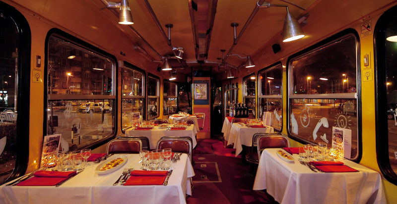 Cena tram Torino - Prenota una cena sul tram a Torino ...