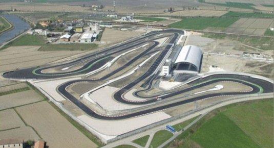 Circuito Adria : Guidare una ferrari su pista a adria sul